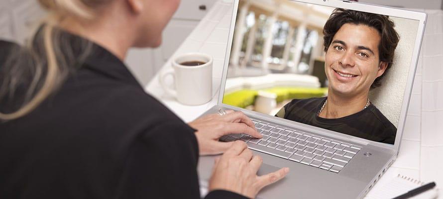 I luoghi giusti per conoscere ragazze internet