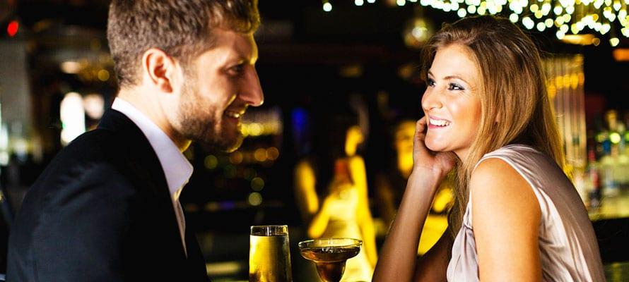 Il contatto visivo per sedurre una donna