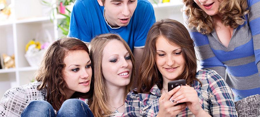 Le donne vi posso assicurare amano ricevere gli sms