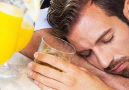 L'Alcol ti Serve Per Conquistare una Ragazza