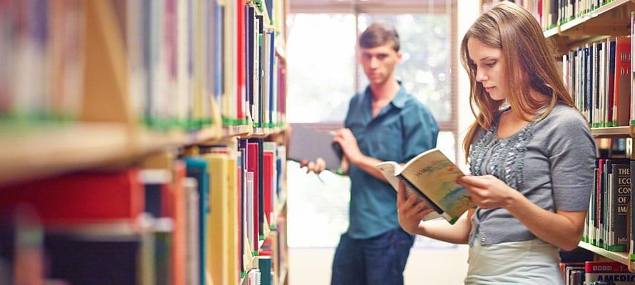 Come Conoscere una Ragazza in Biblioteca
