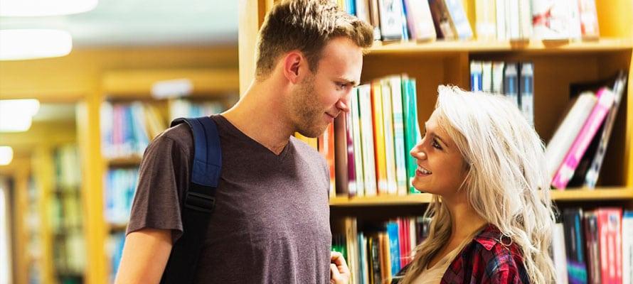 L'importante quando si vuole conoscere una ragazza in biblioteca