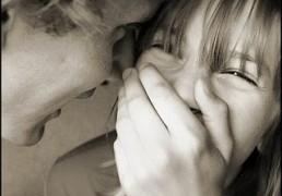 Come Creare Complicità con Una Donna Mentre l'Approcci