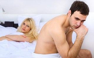 come ottenere unerezione da una donna se il pene è piegato a sinistra