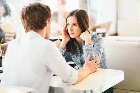 come chiedere a una ragazza che sta uscendo con qualcun altro